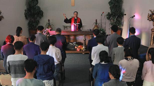 Πάστορας κηρύττει